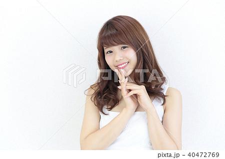 若い女性 ヘアスタイル 40472769