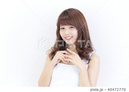 若い女性 ヘアスタイル 40472770