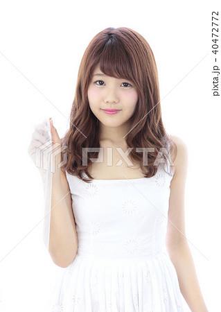 若い女性 ヘアスタイル 40472772