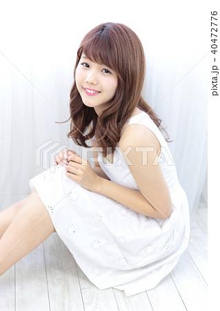 若い女性 ヘアスタイル 40472776