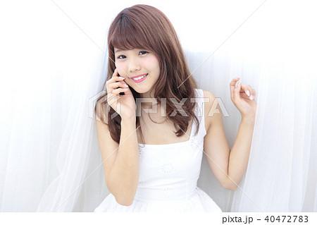 若い女性 ヘアスタイル 40472783