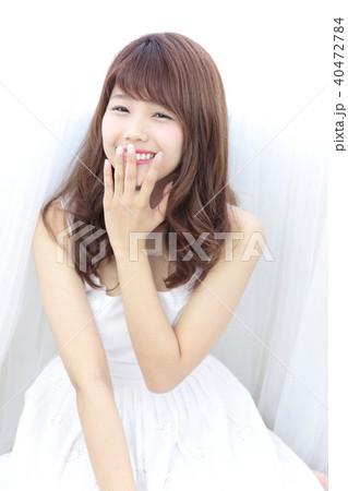 若い女性 ヘアスタイル 40472784