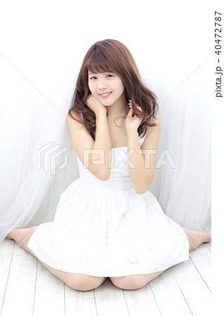 若い女性 ヘアスタイル 40472787