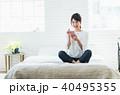 スマートフォン 若い 女性の写真 40495355