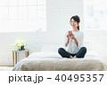 スマートフォン 若い 女性の写真 40495357