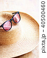麦わら帽子とサングラス 40500460