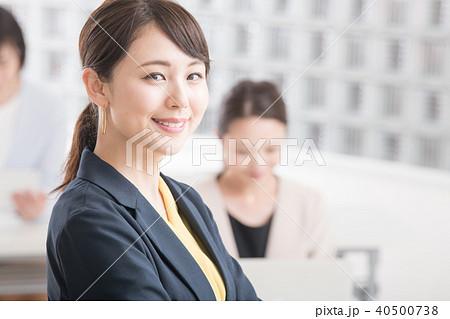 笑顔のビジネスウーマン 日本人女性 40500738