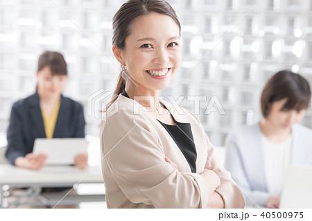笑顔のビジネスウーマン 日本人女性 40500975