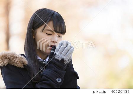 手袋をした女子校生 40520452