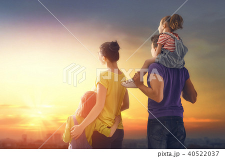 happy family at sunset 40522037