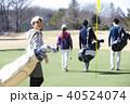 ゴルフをする女性 40524074