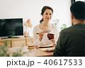 朝食を食べる日本人ミドル夫婦 40617533