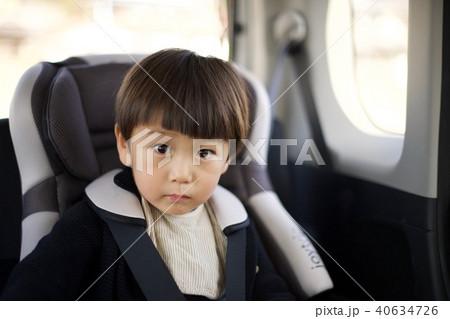 2歳児の男子/車の中 40634726