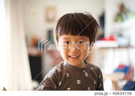 2歳児の男子/笑顔 40634739