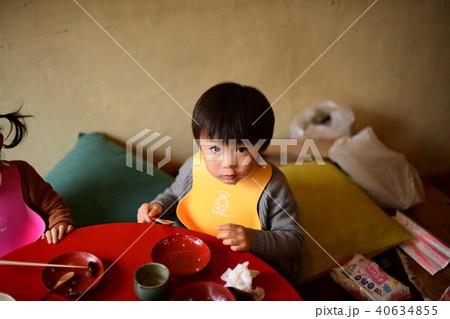 二歳児の日常/そばがきを食べる 40634855