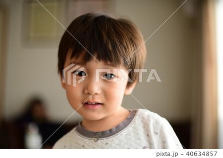 二歳児の日常/顔 40634857