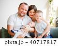 ファミリー 家庭 家族の写真 40717817