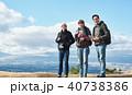 外国人 3人 ハイキングの写真 40738386