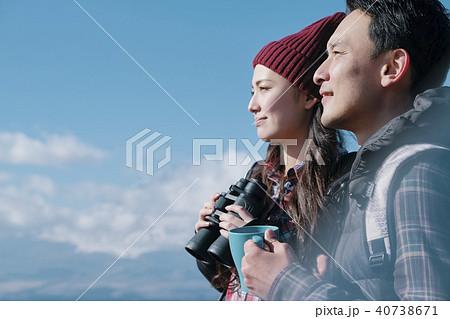 富士山 眺望 トレッキング カップル 40738671