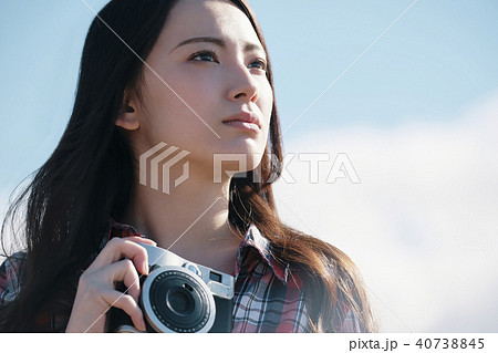 女性 カメラ 撮影 ポートレート 40738845