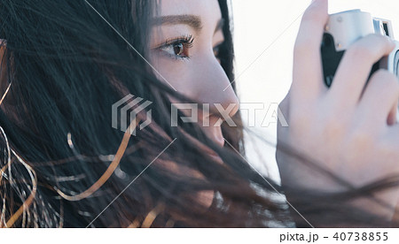 女性 カメラ 撮影 ポートレート 40738855