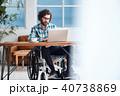 車椅子の男性 ビジネス 40738869