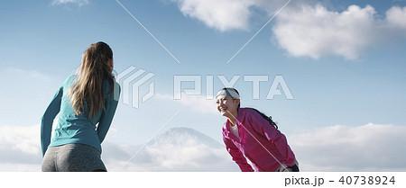 富士山 外国人 女性 フィットネス 40738924