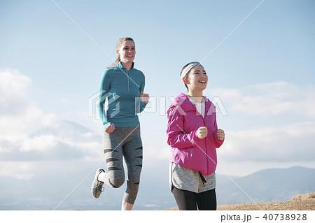 富士山 外国人 女性 ランニング 40738928