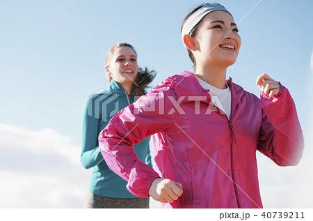 外国人 女性 ランニング 40739211