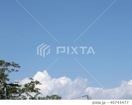 潮来アヤメ園の上青空と白い雲 40743477