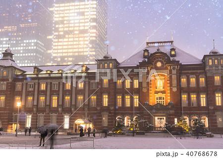 《東京都》大雪・東京駅 40768678