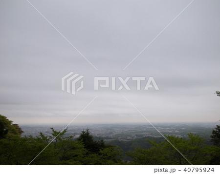 曇り空で残念!山頂からの眺め 40795924
