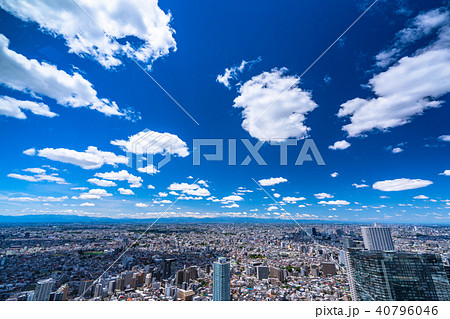 《東京都》白い雲と青い空・東京住宅イメージ 40796046