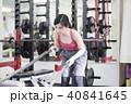 大阪府大阪市城東区のパーソナルトレーニングジムでトレーニングをしている若い女性 40841645