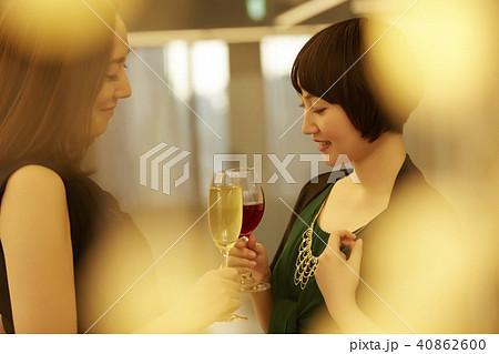 女性 パーティー 40862600