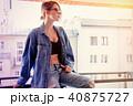 バルコニー 服 服装の写真 40875727