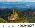 八ヶ岳連峰・横岳の岩峰と御嶽山遠望 40894027