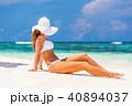 女性 ビーチ 浜辺の写真 40894037