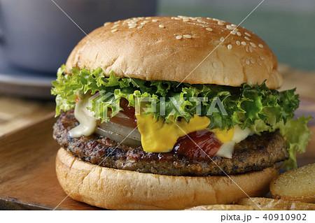 ハンバーガー 40910902