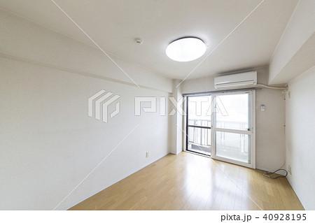 住宅・リフォーム・ビフォー・アフター素材・洋室・ビフォー  40928195