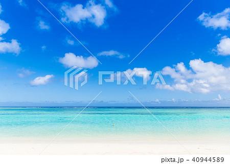 夏イメージ 海・ビーチ・青空 40944589