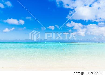夏イメージ 海・ビーチ・青空 40944590