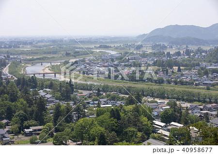 秋田県仙北市 新緑の角館市街 40958677