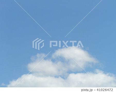 6月の青い空と白い雲 41026472