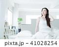 女性 若い女性 寝起きの写真 41028254