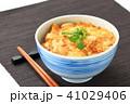 親子丼 丼物 食べ物の写真 41029406
