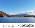 富士山 精進湖 晴れの写真 41058630