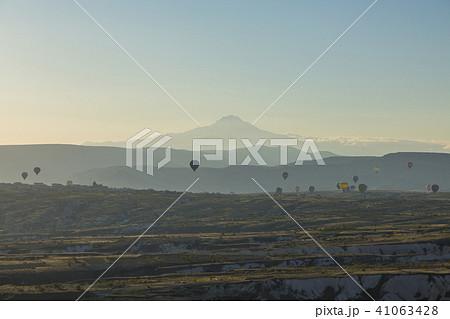 トルコ カッパドキア ウチヒサール 要塞からの朝の風景 41063428
