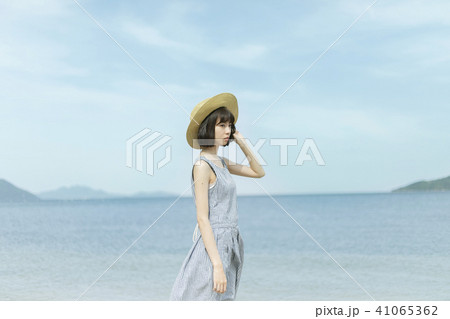 海の女性 41065362