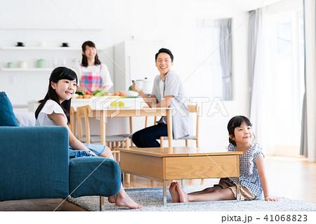 若い家族 41068823